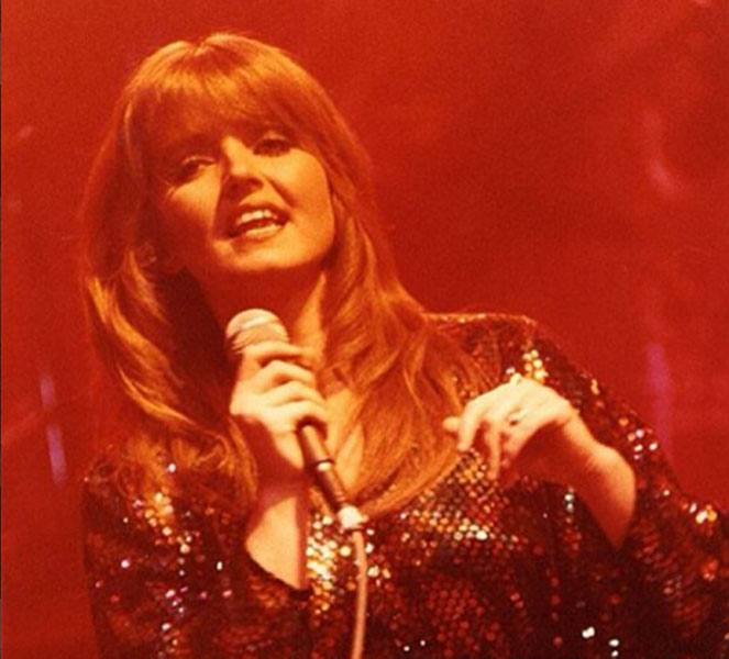Linda Nolan Singing
